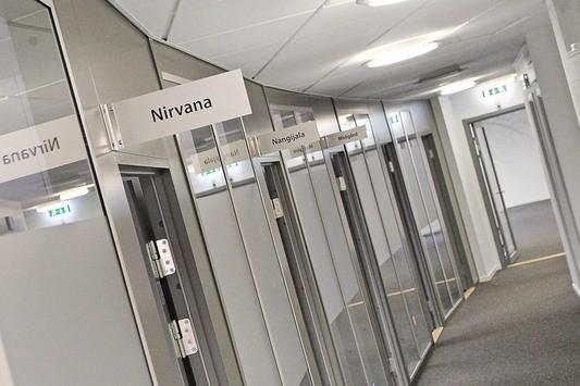 Korridor med mindre rum